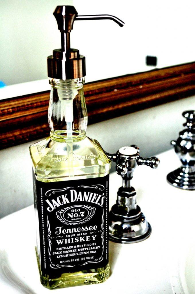 7 façons originales de Recycler une bouteille de Jack daniels